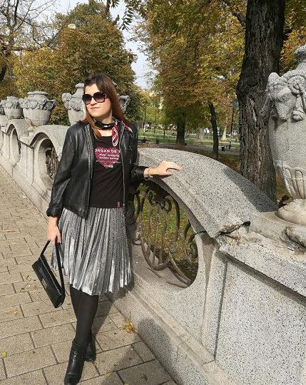 metallic-pleated-skirt