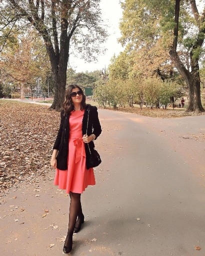golden-autumn-in-coral-retro-dress