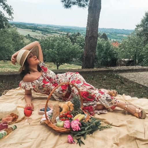 picnic lady