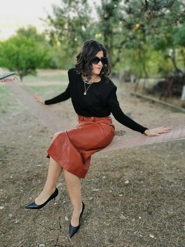 Feminine and Elegant Fall Outfit Idea